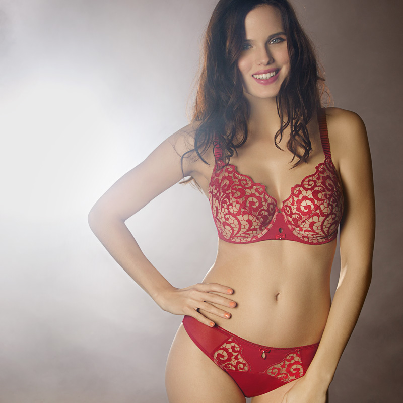 Creative retouching French lingerie 01