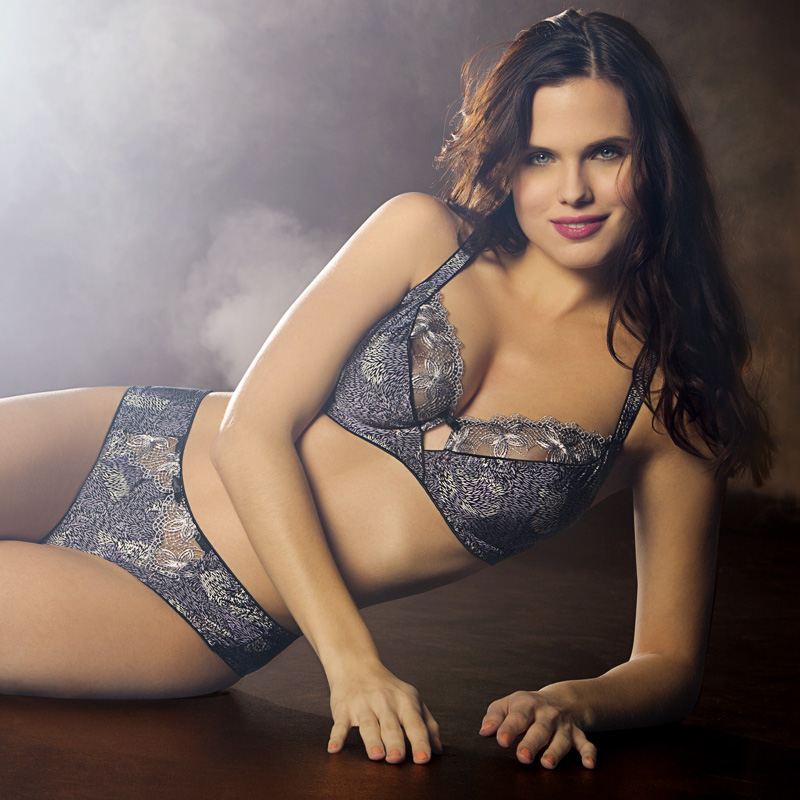 Creative retouching French lingerie 03