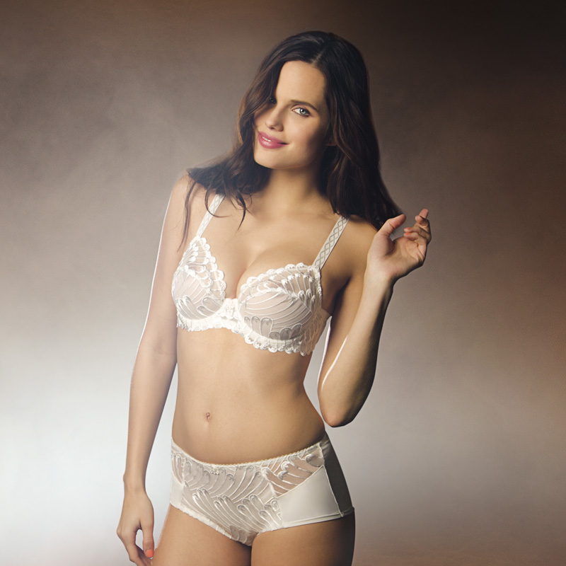 Creative retouching French lingerie 04